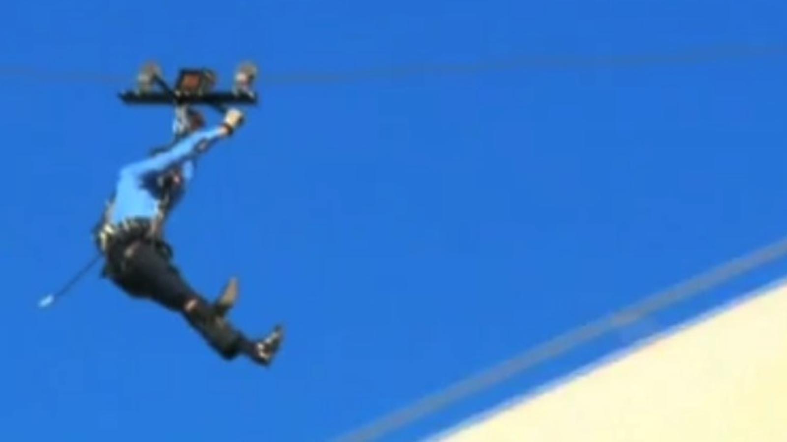 Hugh Jackman pateix un petit accident durant un show d'Oprah Winfrey a Austràlia
