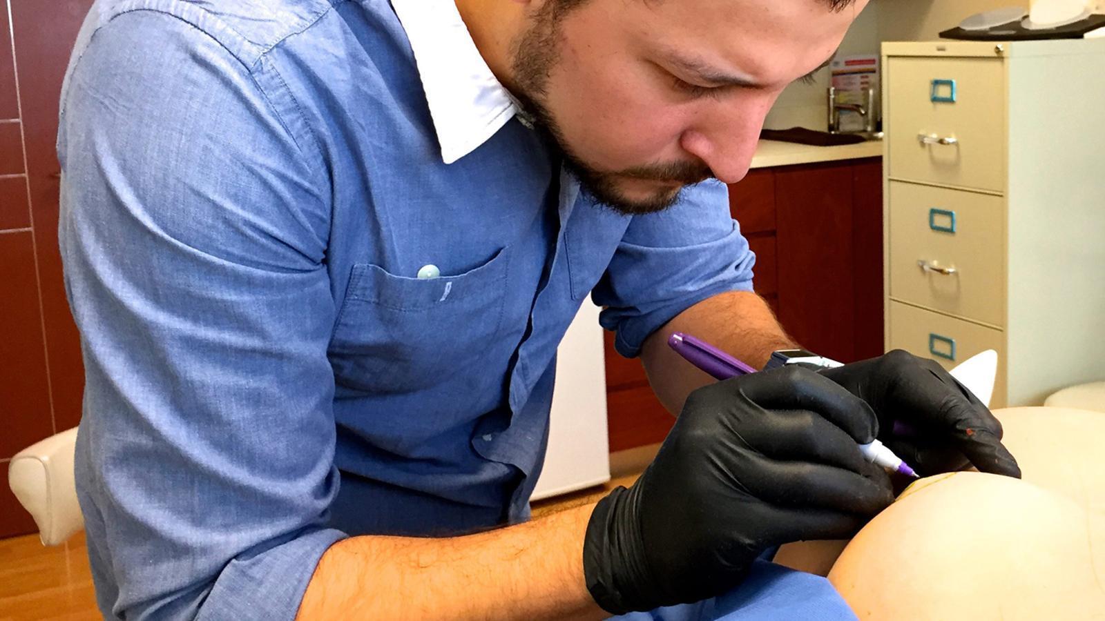 Realització de proves per a la detecció de càncer de mama. / ARXIU ANA