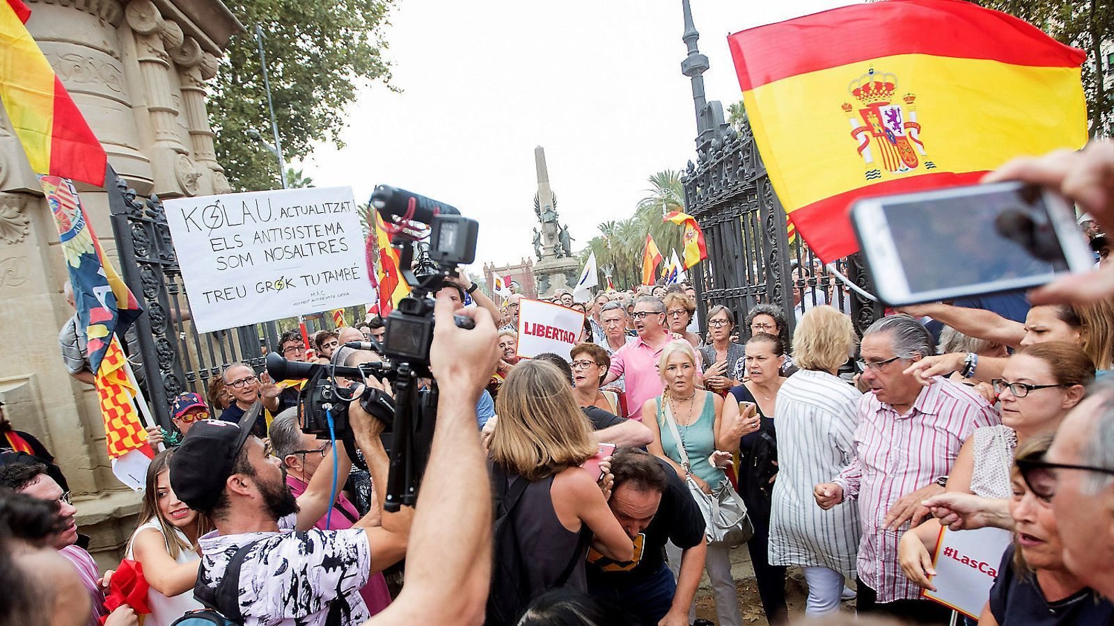 Dos agredits en la concentració unionista contra les agressions