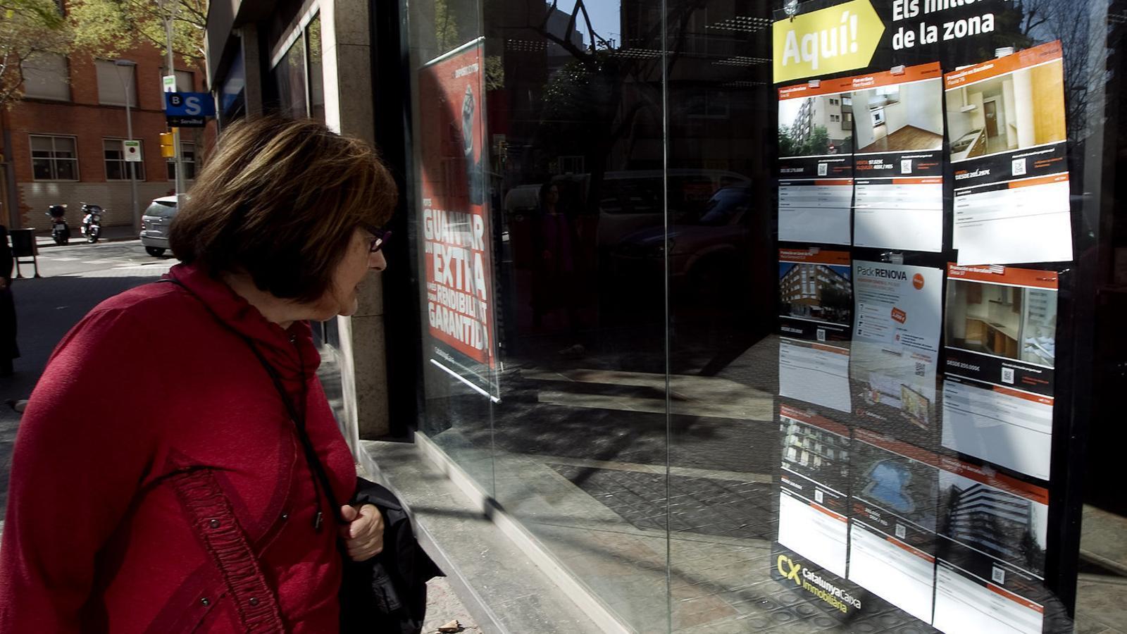Els propietaris ja negocien: els pisos s'estan llogant un 36% per sota del preu de sortida