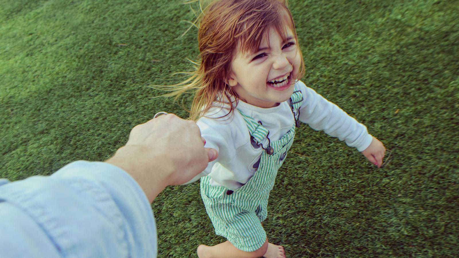Els infants passen molt poc temps a l'aire lliure / GETTY