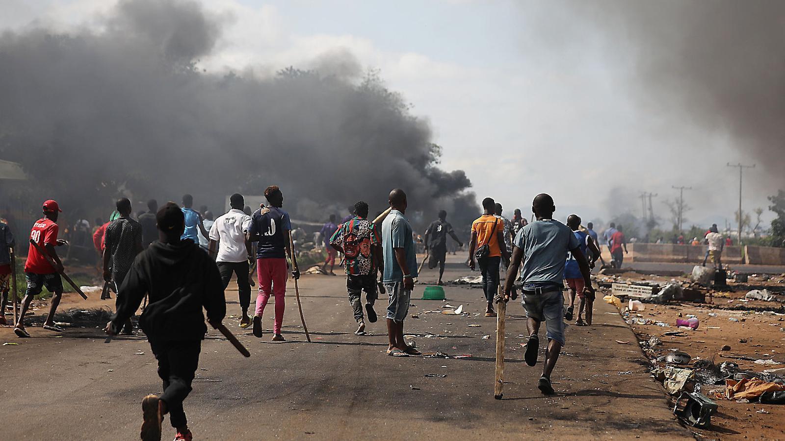 L'Exèrcit ataca joves desarmats i la ira esclata a Nigèria