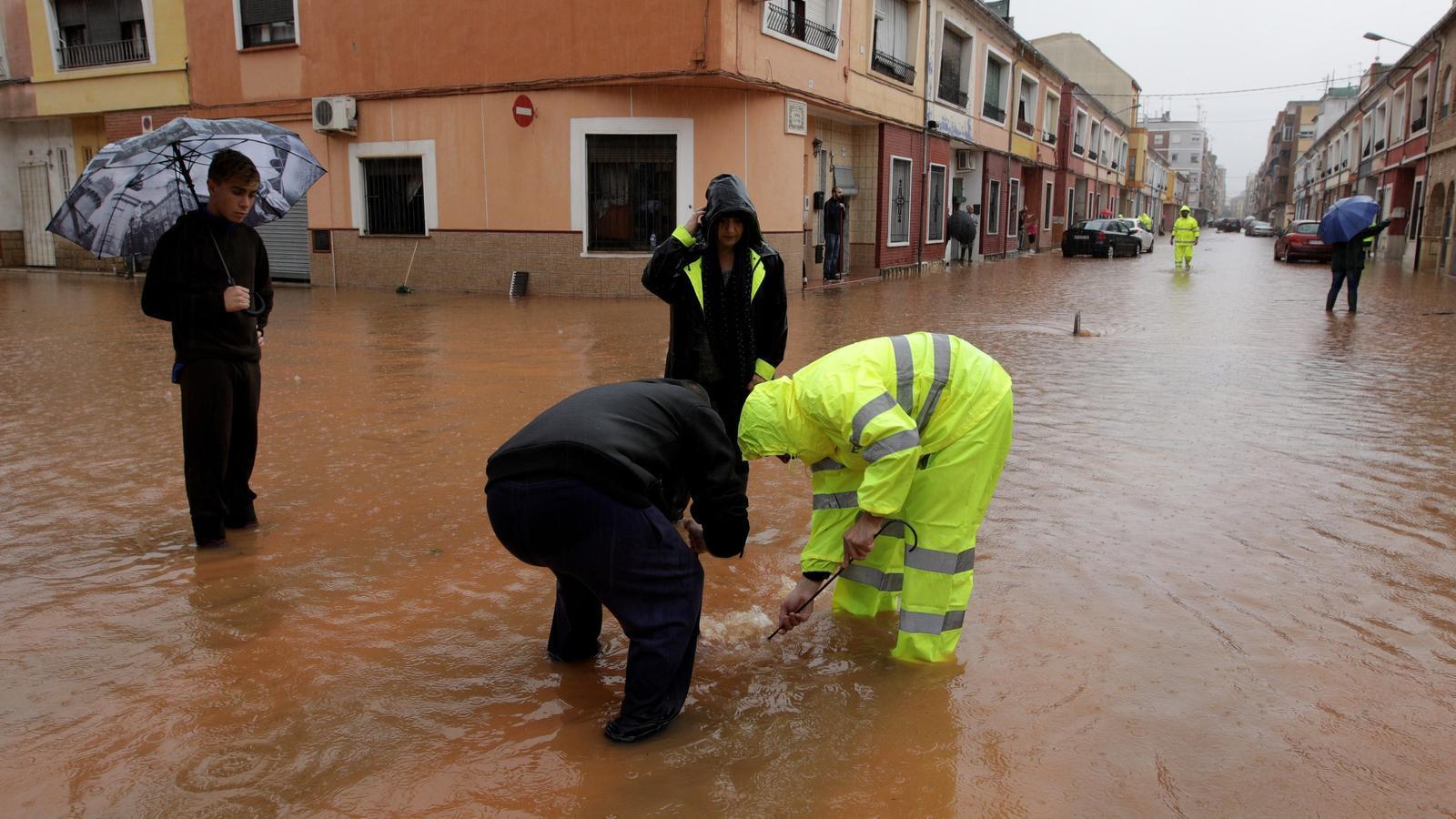 El barri de les Basses de la localitat valenciana d'Alzira, un dels més afectats per les pluges fortes