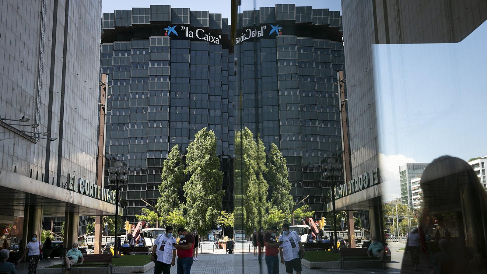 Seu de La Caixa a l'avinguda Diagonal de Barcelona divendres passat, l'endemà de saber-se les negociacions amb Bankia.