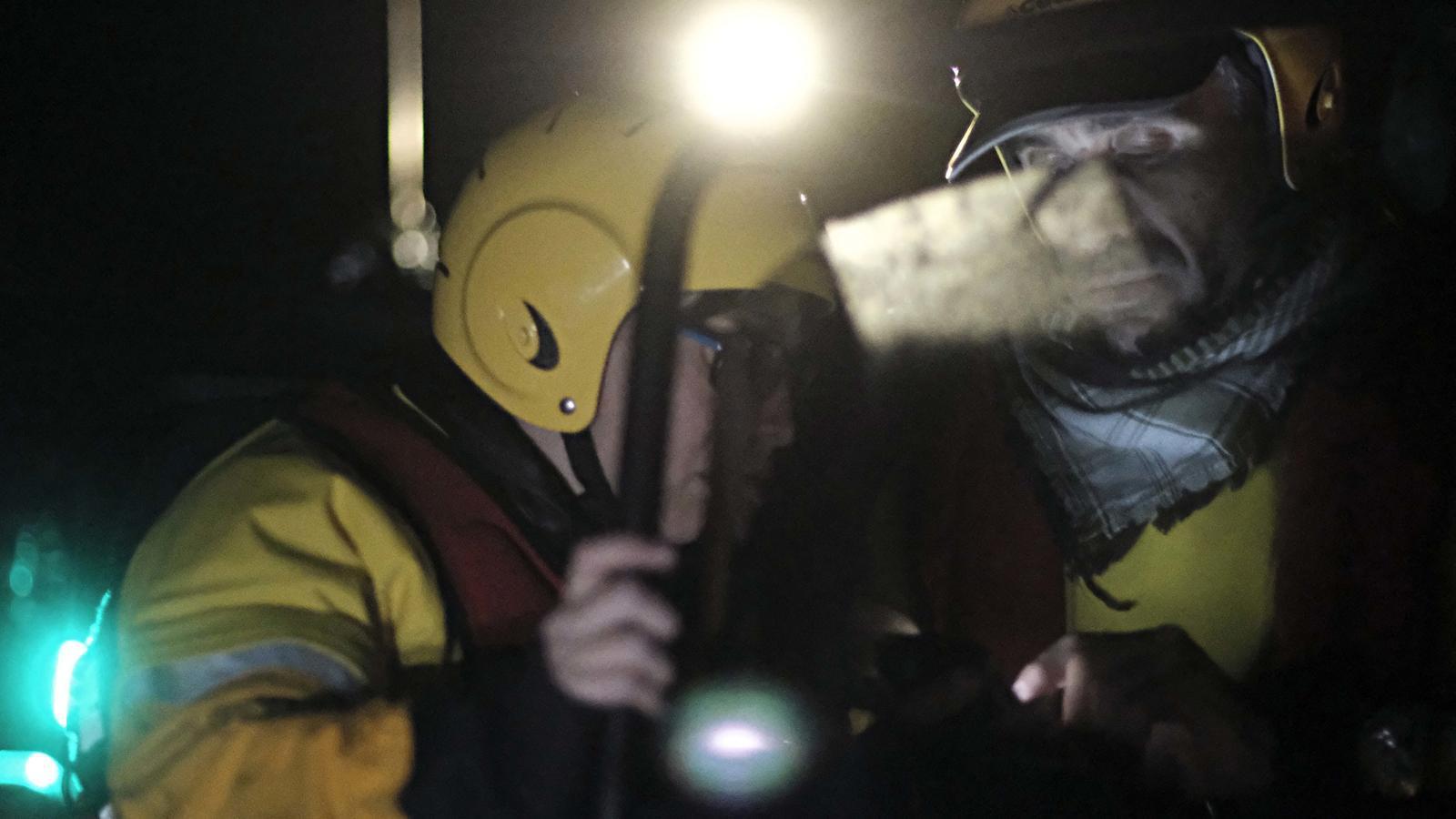 l'equip de Proactiva sarpa del nord de Lesbos a mitjanit
