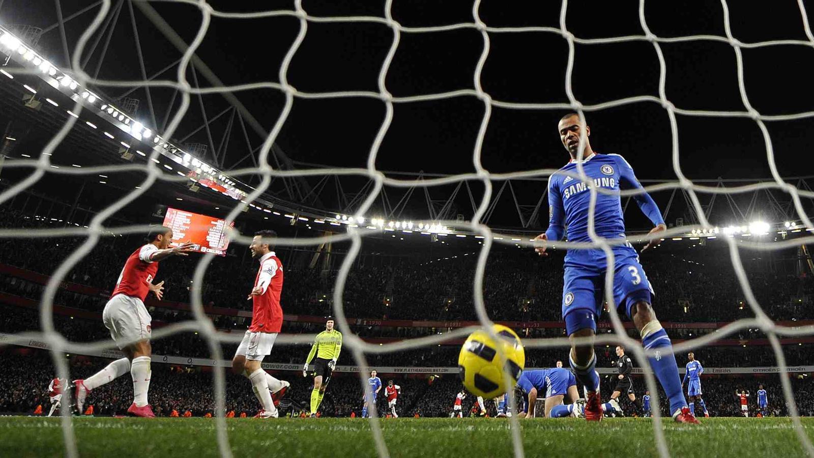 Gol de l'Arsenal davant el Chelsea.
