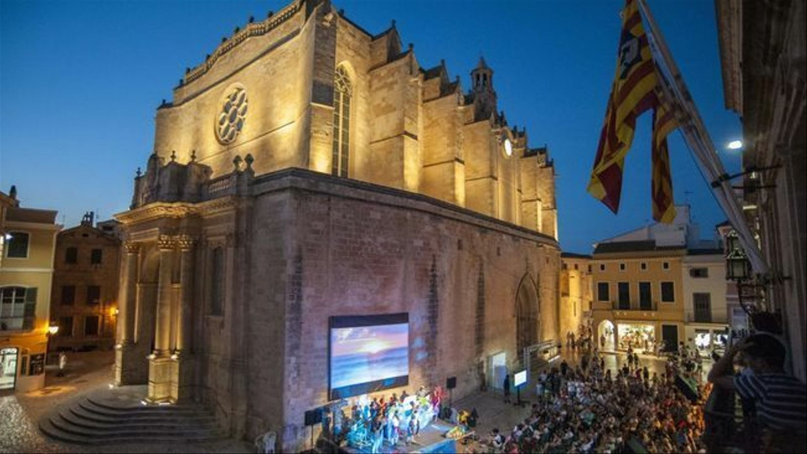 La plaça de la Catedral de Ciutadella tornarà a convertir-se en un cinema a la fresca.