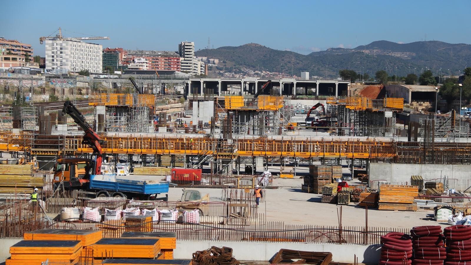Obres a l'estació de la Sagrera de Barcelona, una de les infraestructures susceptibles de rebre ajuts europeus, segons Foment.