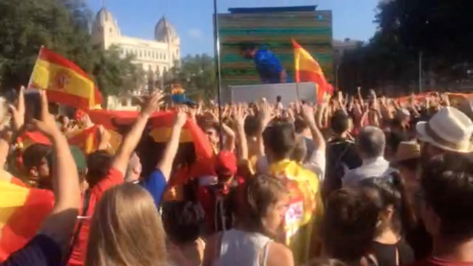 Seguiment de l'Espanya-Itàlia des de plaça Catalunya