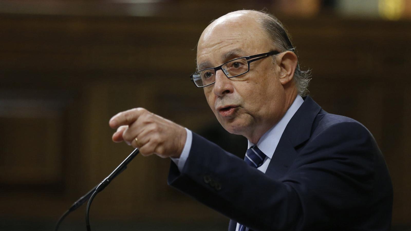 El dit acusador de Montoro assenyala  els seus oponents