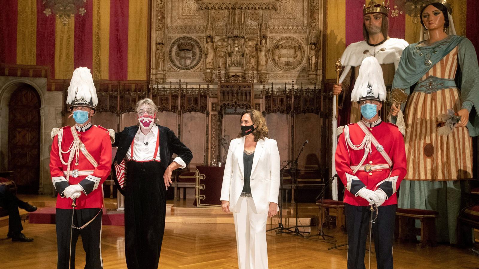 L'alcalde de Puigcerdà demana no anar a la Cerdanya aquest cap de setmana, seguim pendents de la inhabilitació del president Torra i l'Ajuntament de Barcelona retira la Medalla d'Or a Barrera a proposta de Valls: les claus del dia, amb Antoni Bassas (24/09/2020)