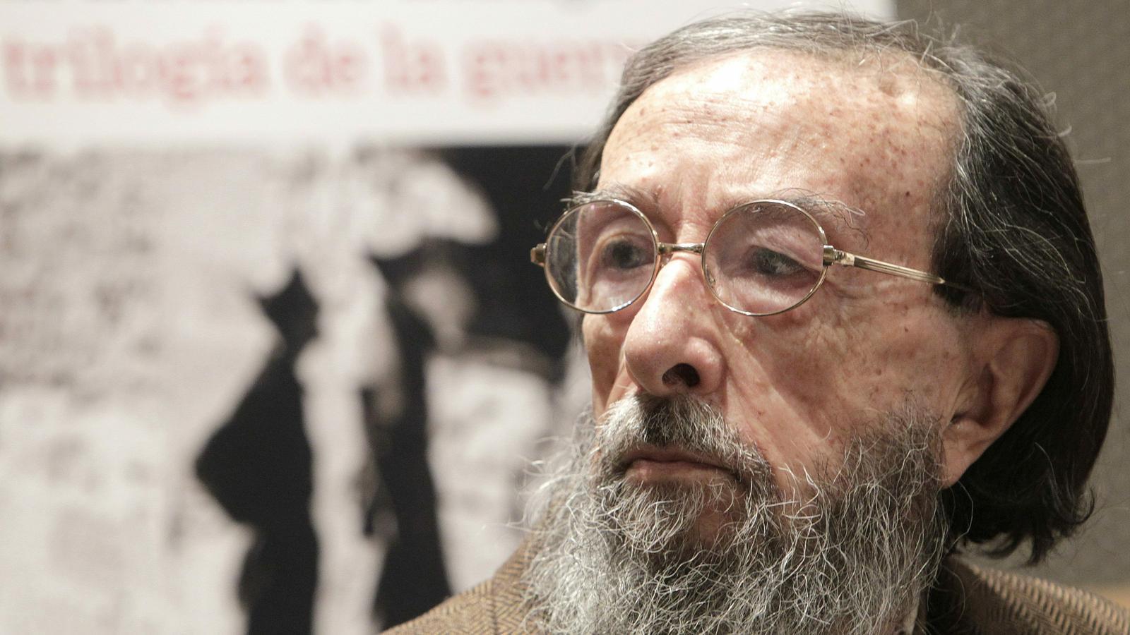 L'escriptor Juan Eduardo Zúñiga