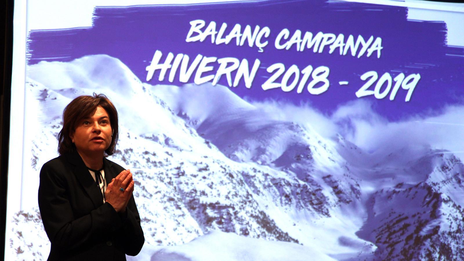 La ministra de Turisme, Verònica Casals, presenta el balanç de la temporada d'hivern. / C. G. (ANA)