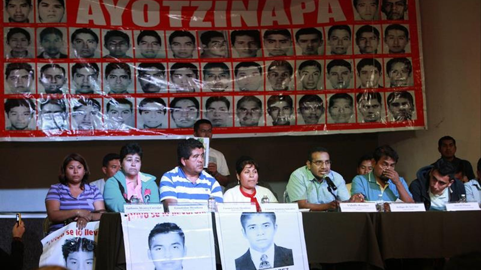 Els pares dels nois desapareguts a Iguala demanen que no s'aturi la investigació. SÁSHENKA GUTIÉRREZ / EFE