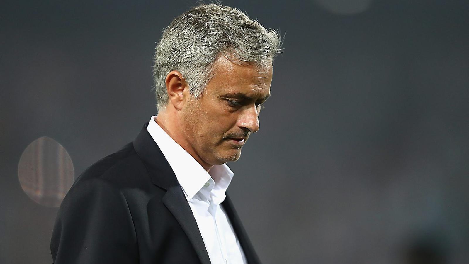 Mourinho, frustrat per la derrota del seu United.