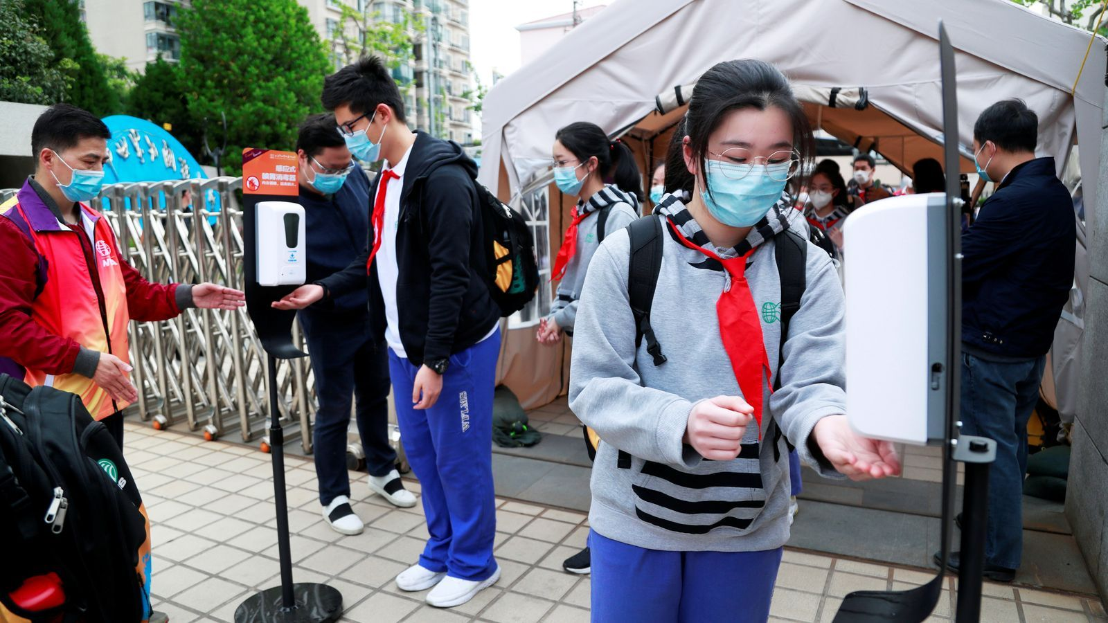 Wuhan (Xina) dona l'alta als últims pacients de coronavirus als seus hospitals