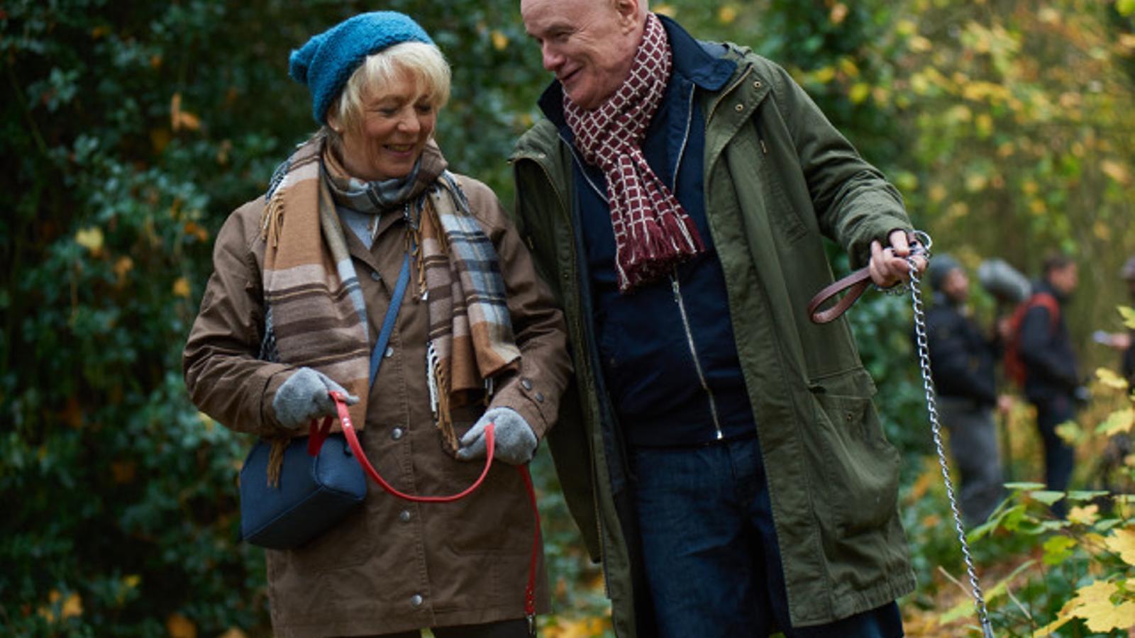 Dave Johns i Alison Steadman a '23 paseos'