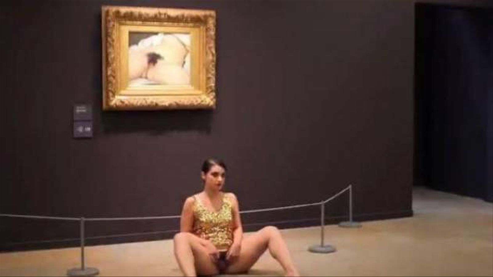La 'performance' de l'artista Deborah de Robertis va causar un gran enrenou fa tres anys.