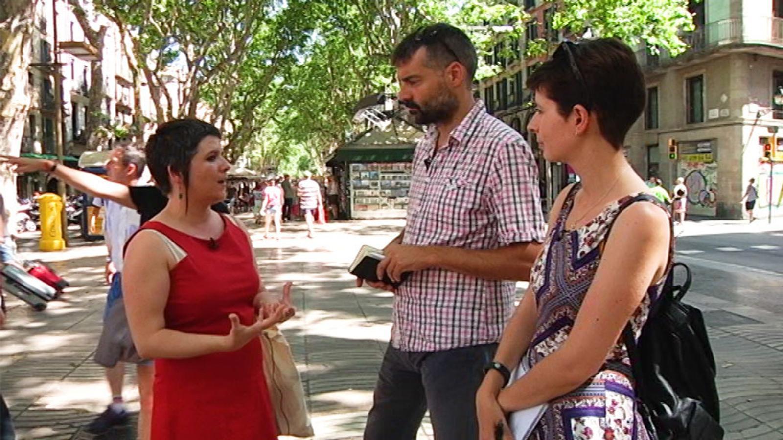 Gala Pin, regidora de Ciutat Vella, respon a les preguntes de l'ARA sobre el terreny