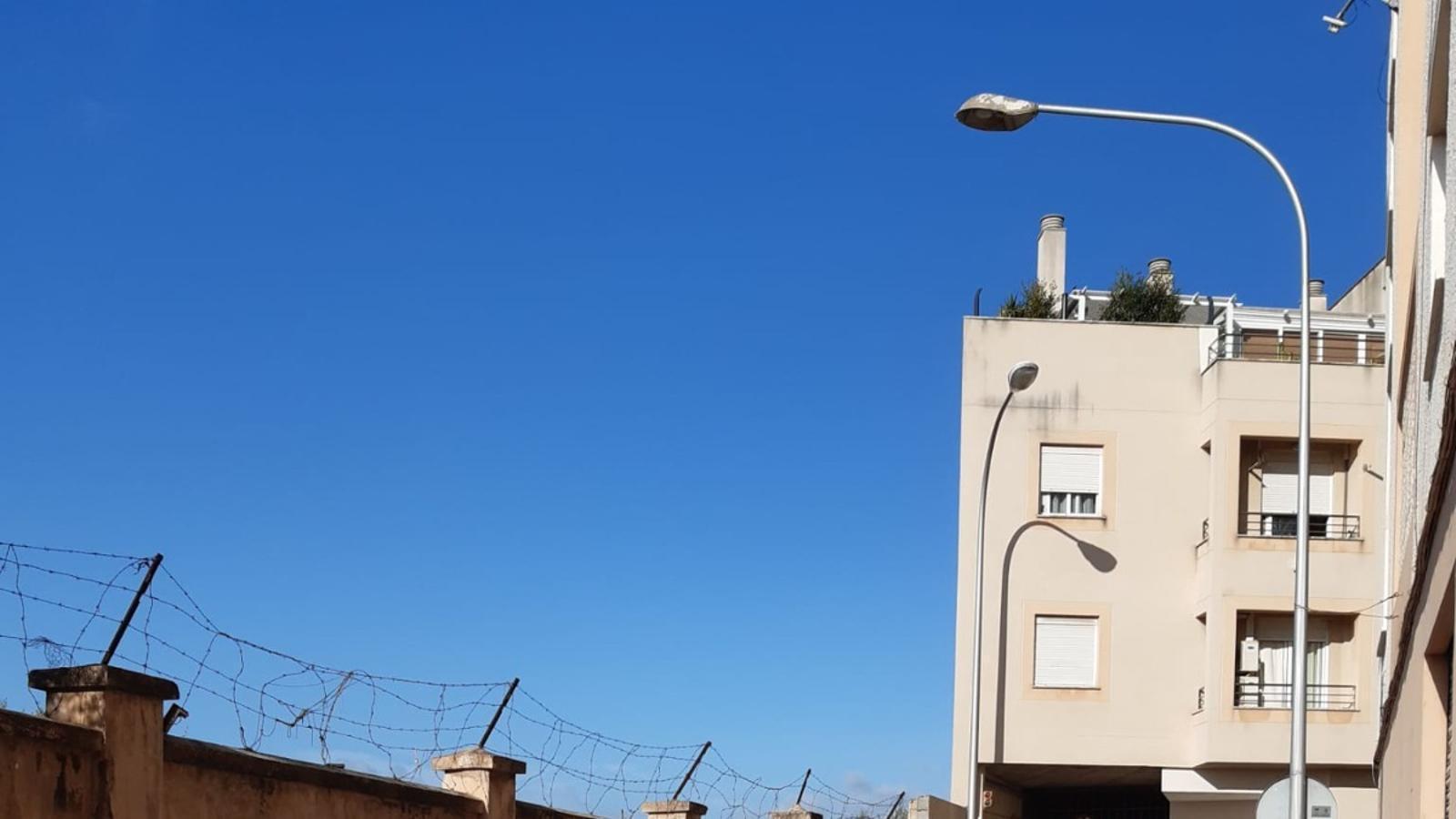 Les obres per canviar l'enllumenat del carrer de Son Busquets de Palma.