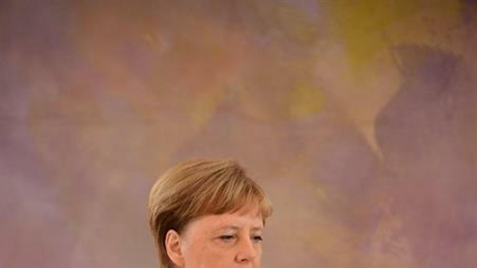 Merkel torna a tremolar en un acte oficial