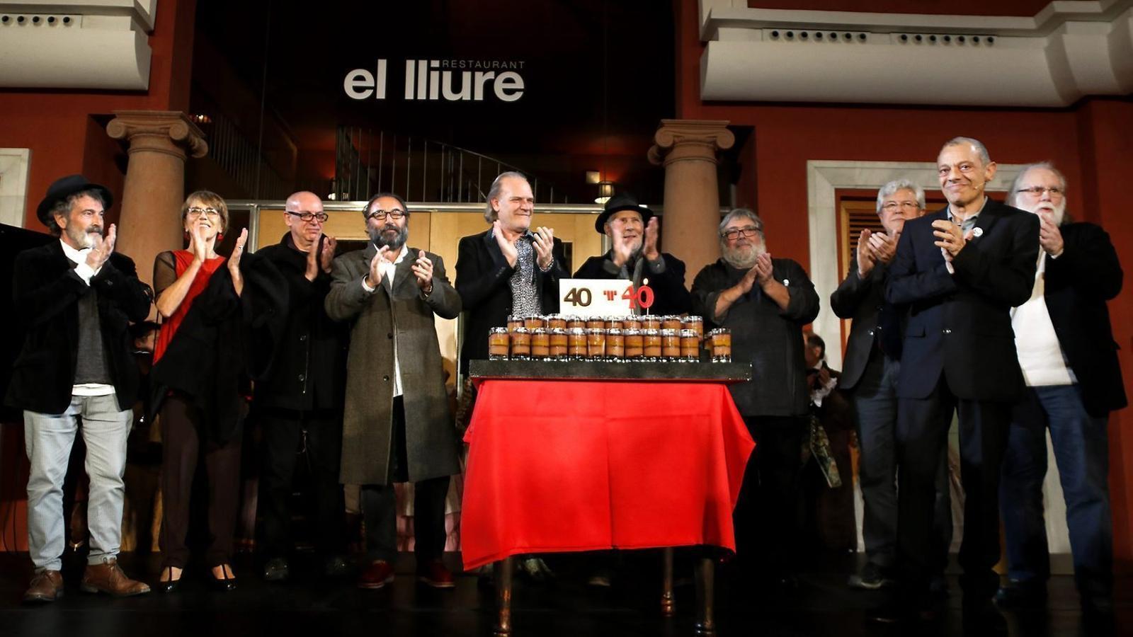 Alguns dels fundadors del Teatre Lliure celebrant el seu 40è aniversari.