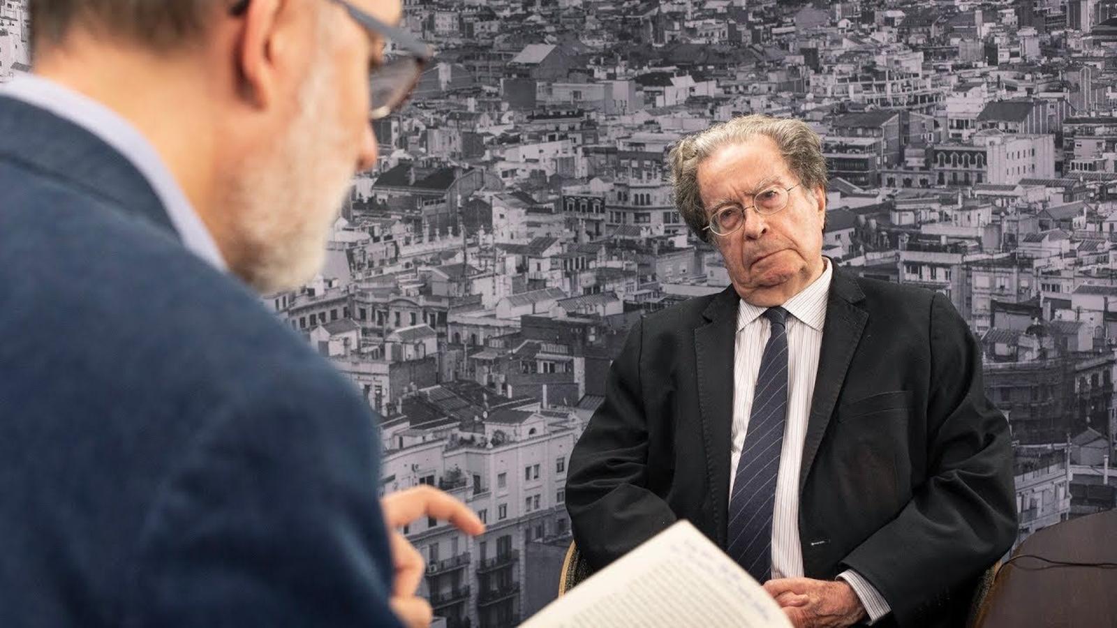 """Francesc Cabana: """"El capitalisme és un sistema econòmic caduc. Cada vegada és pitjor"""""""