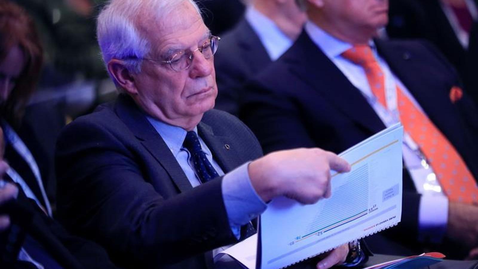 Borrell aclareix que no pot tancar les noves delegacions del Govern però avisa que actuarà si s'incompleix la llei