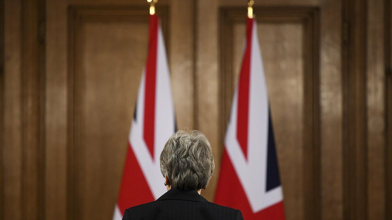 Quatre minuts arrogants enterren Theresa May