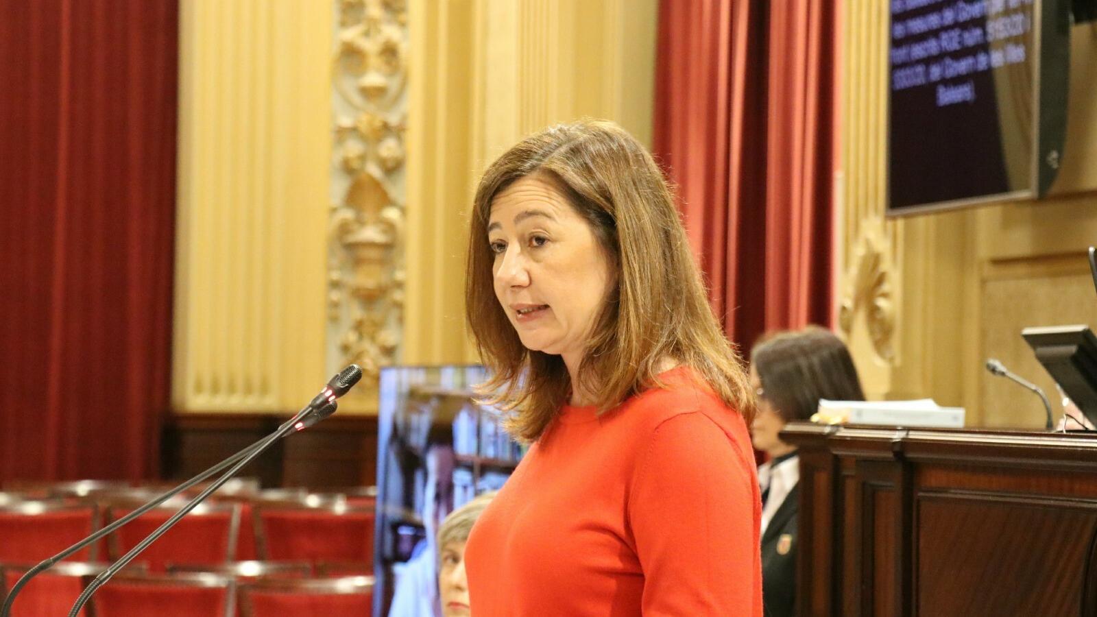 La presidenta del Govern, Francina Armengol, davant de la Diputació Permanent del Parlament