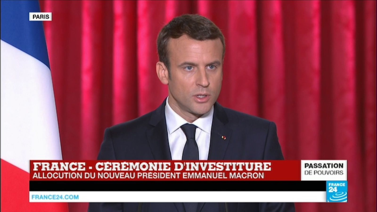 Macron assumeix la presidència amb la promesa d'unir França i renovar Europa