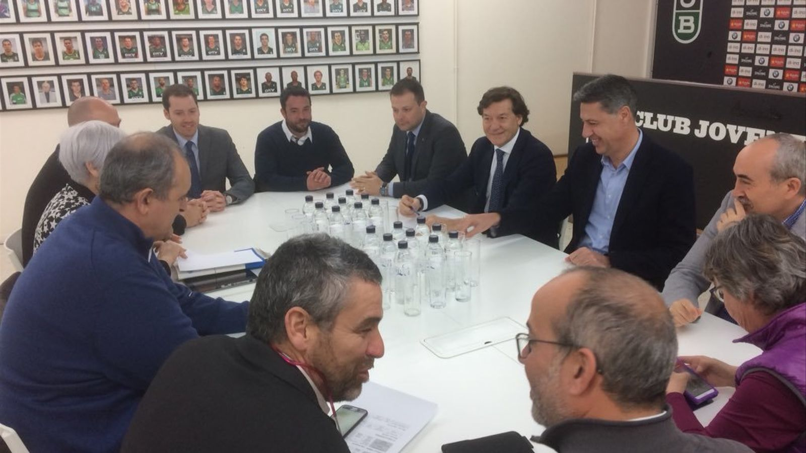 Reunió dels representants de les institucions per parlar sobre el futur de la Penya
