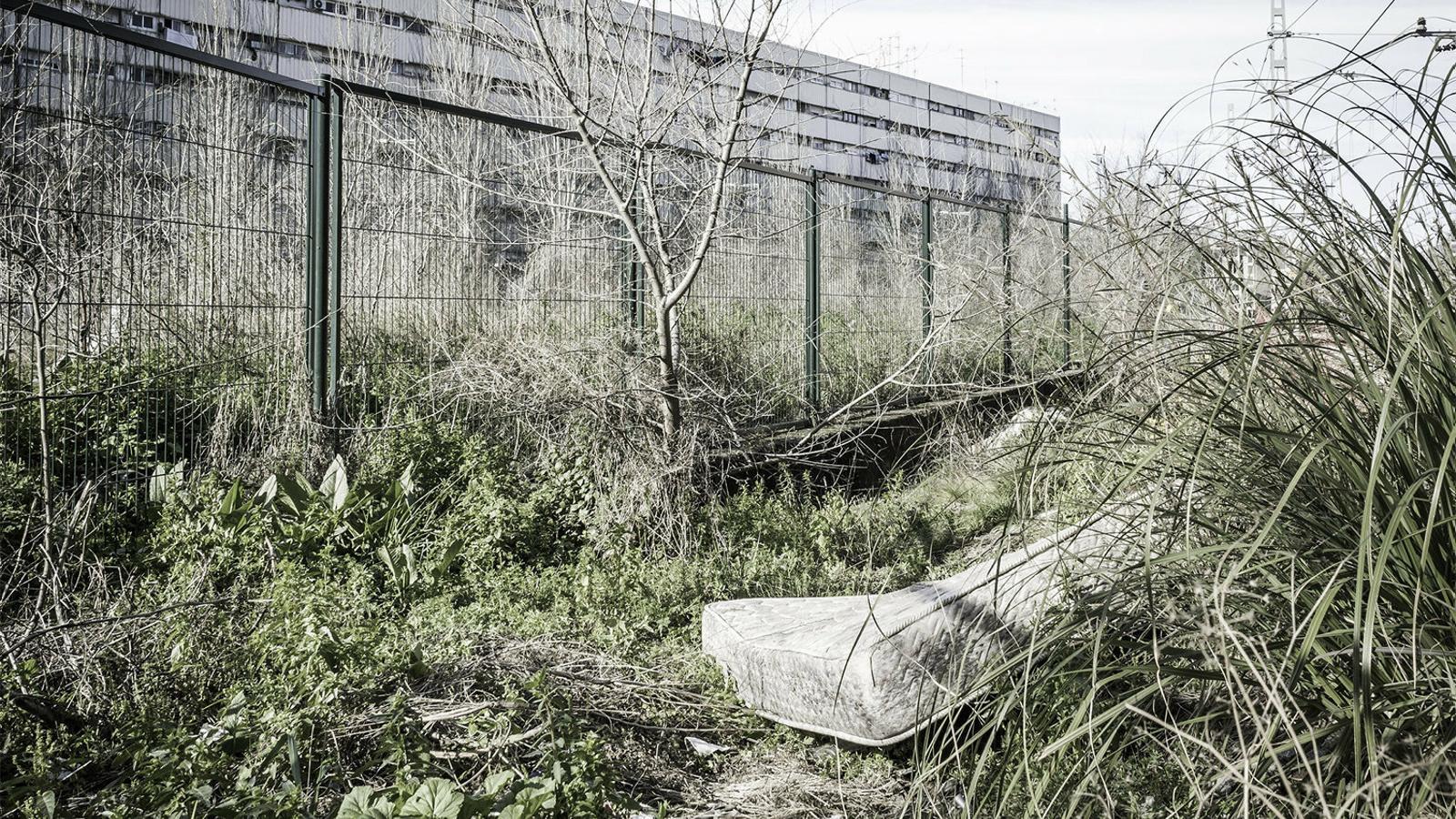 25/12/2017. Sant Adrià de Besòs (Barcelona). C. va degollar i apunyalar mortalment la seva parella. Després la va enterrar en un descampat al costat d'unes vies de tren.