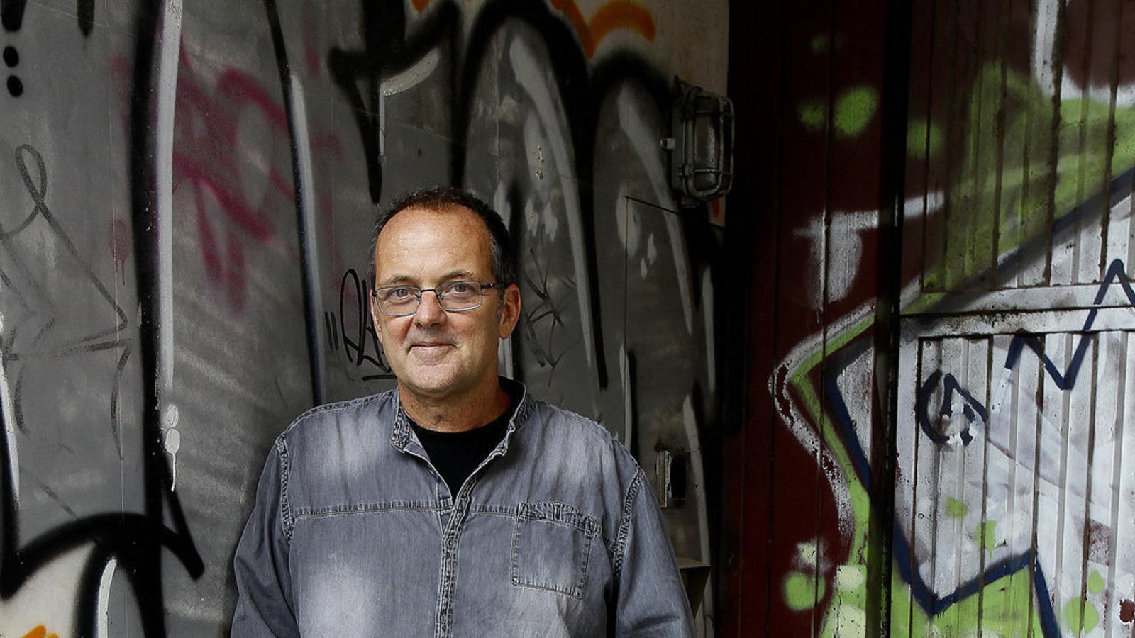 Miquel Àngel Llauger: Dins la ciutat formiguejant