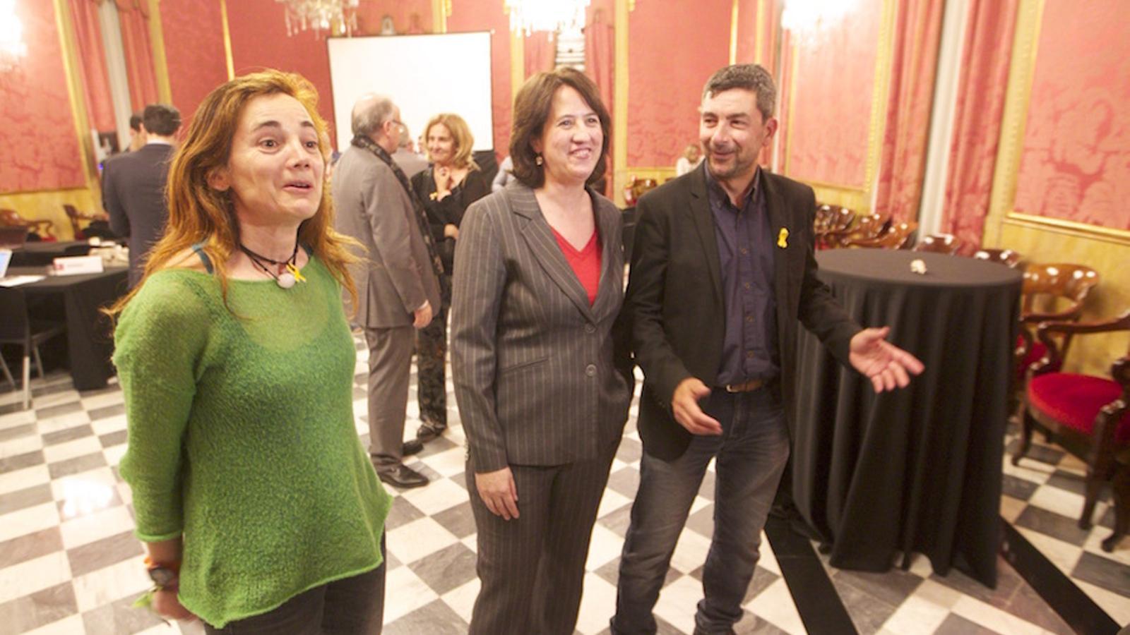 La presidenta de l'ANC, Elisenda Paluzie, amb l'empresari Joan Canadell, ahir a la nit a la Cambra de Comerç de Barcelona