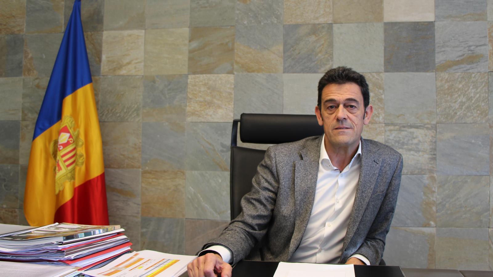 Josep Àngel Mortés, al seu despatx de cònsol major. / A. S. (ANA)