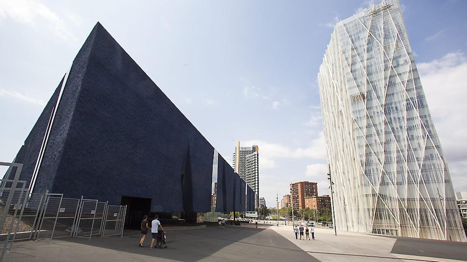 Telefónica ven la seu de Barcelona per 150 milions d'euros