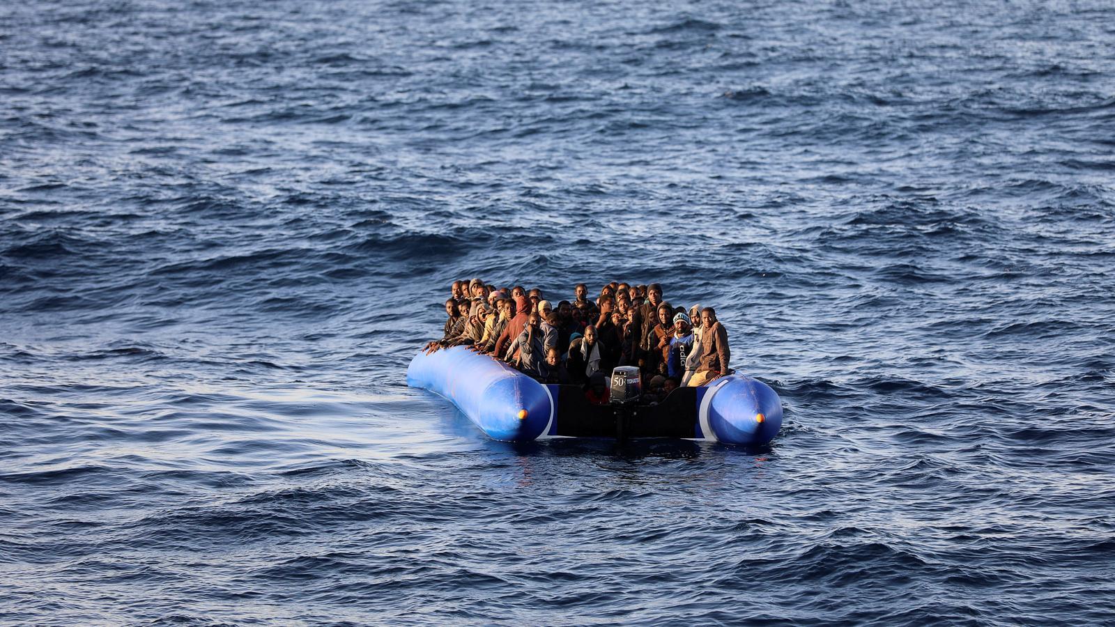 El naufragi d'una pastera a Mauritània confirma que s'ha reobert la ruta dels 'cayucos' a Canàries