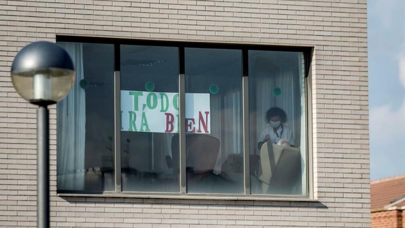 Missatge d'ànims dels treballadors d'una residència d'avis als familiars, a Logronyo