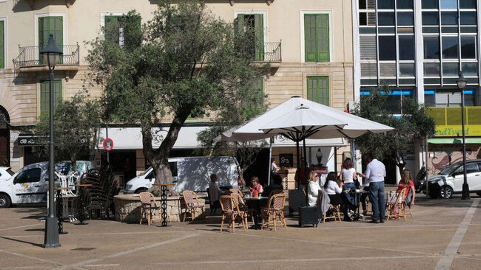 El 53% dels bars i restaurants de les Balears estan tancats al juliol