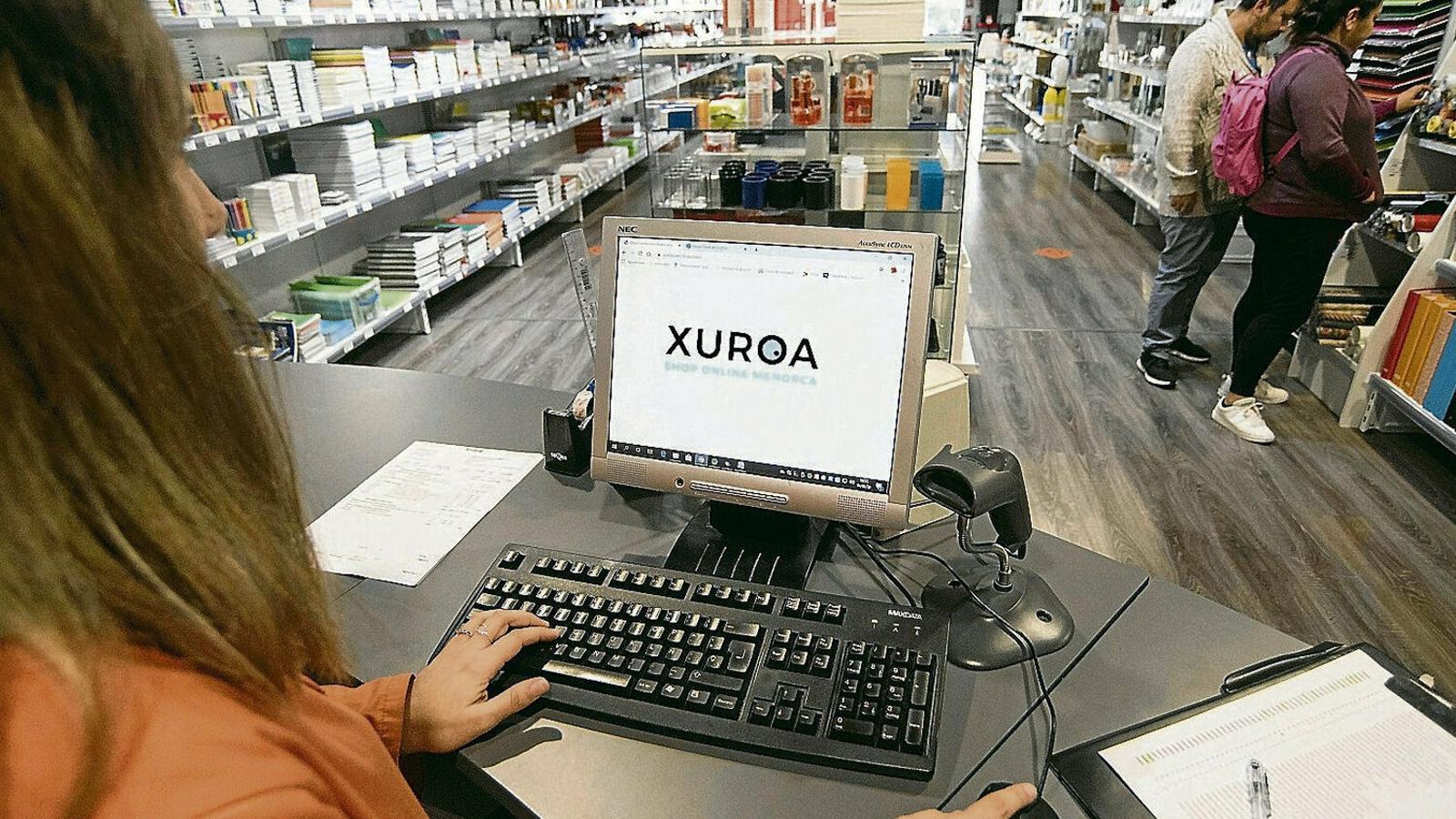 Els comerciants de Menorca estrenen el portal de compres digital Xuroa