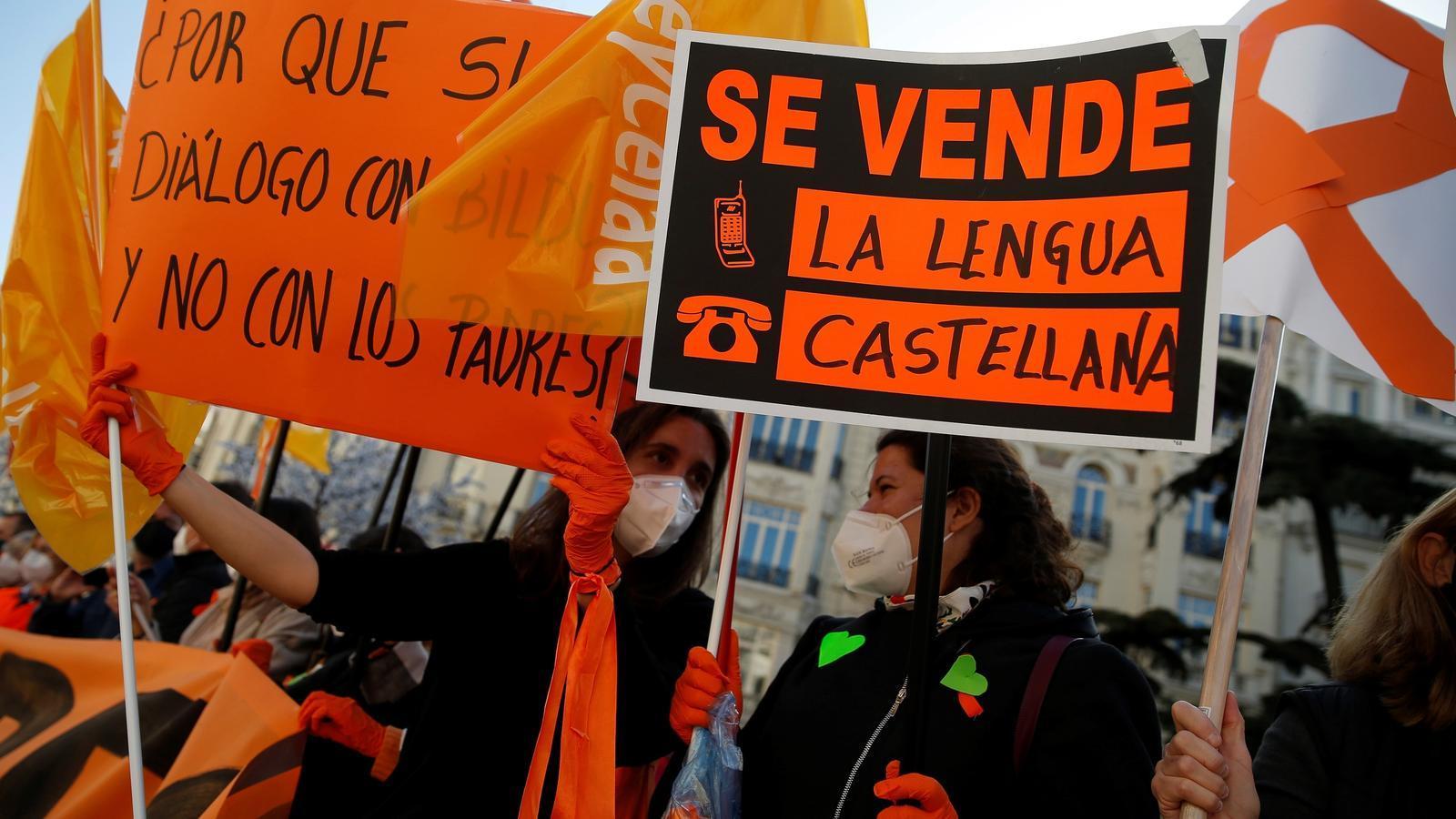 El Congrés enterra la llei Wert dividit pel català i l'escola concertada