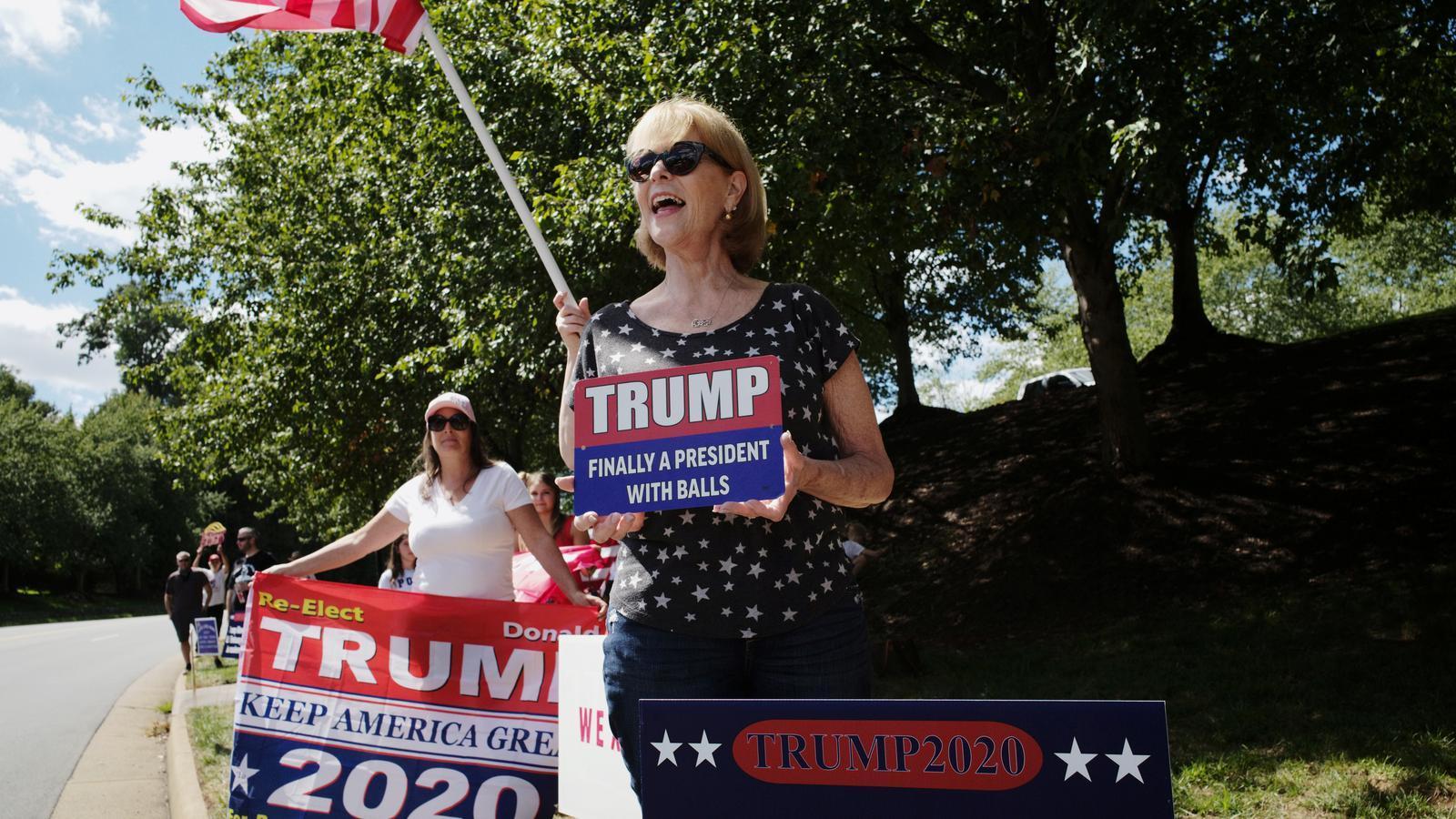 Trump viatja a la ciutat de Jacob Blake per donar suport a la policia, en una visita controvertida
