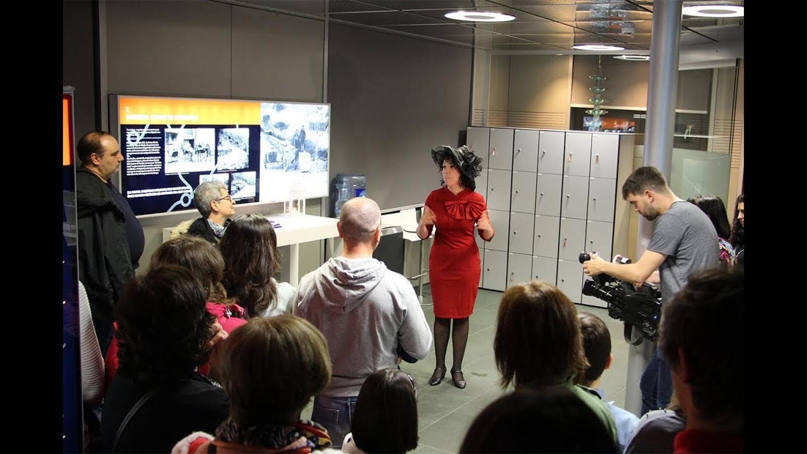 Un tast de la visita teatralitzada al museu de l'Electricitat de FEDA