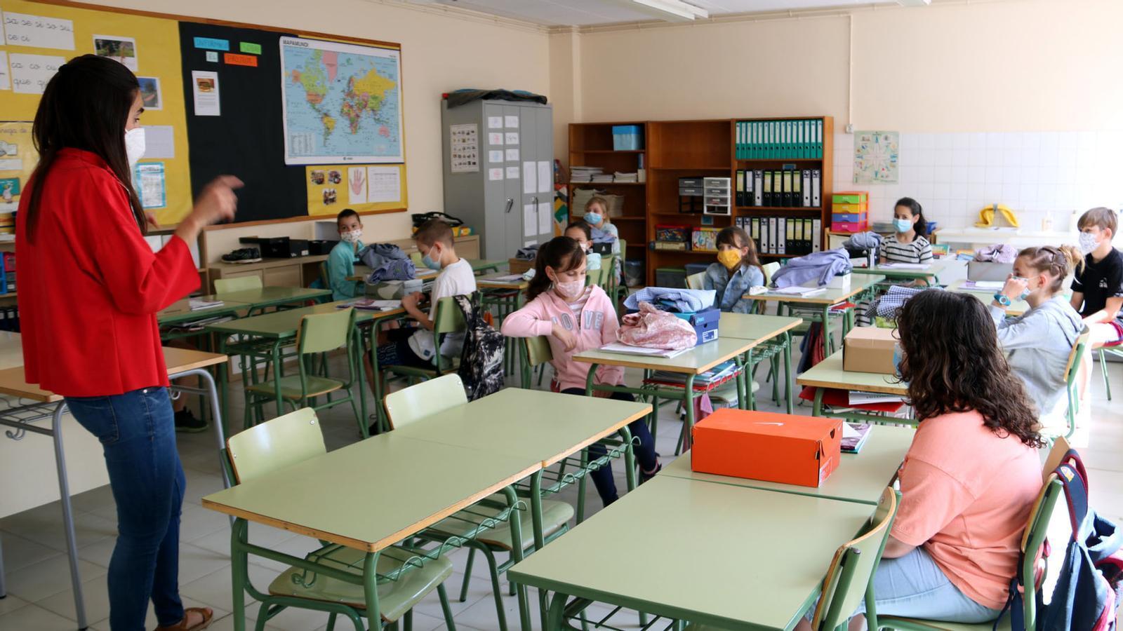 Tornada a l'escola amb mascareta obligatòria a partir dels sis anys i el coronel Pérez de los Cobos apareix en el cas Kitchen: les claus del dia, amb Antoni Bassas (14/09/2020)