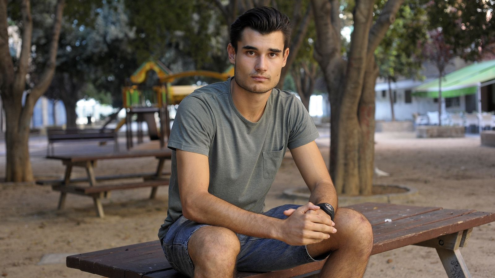 Vicente Danvila, en un parc a la ciutat de València. / DANIEL GARCÍA-SALA