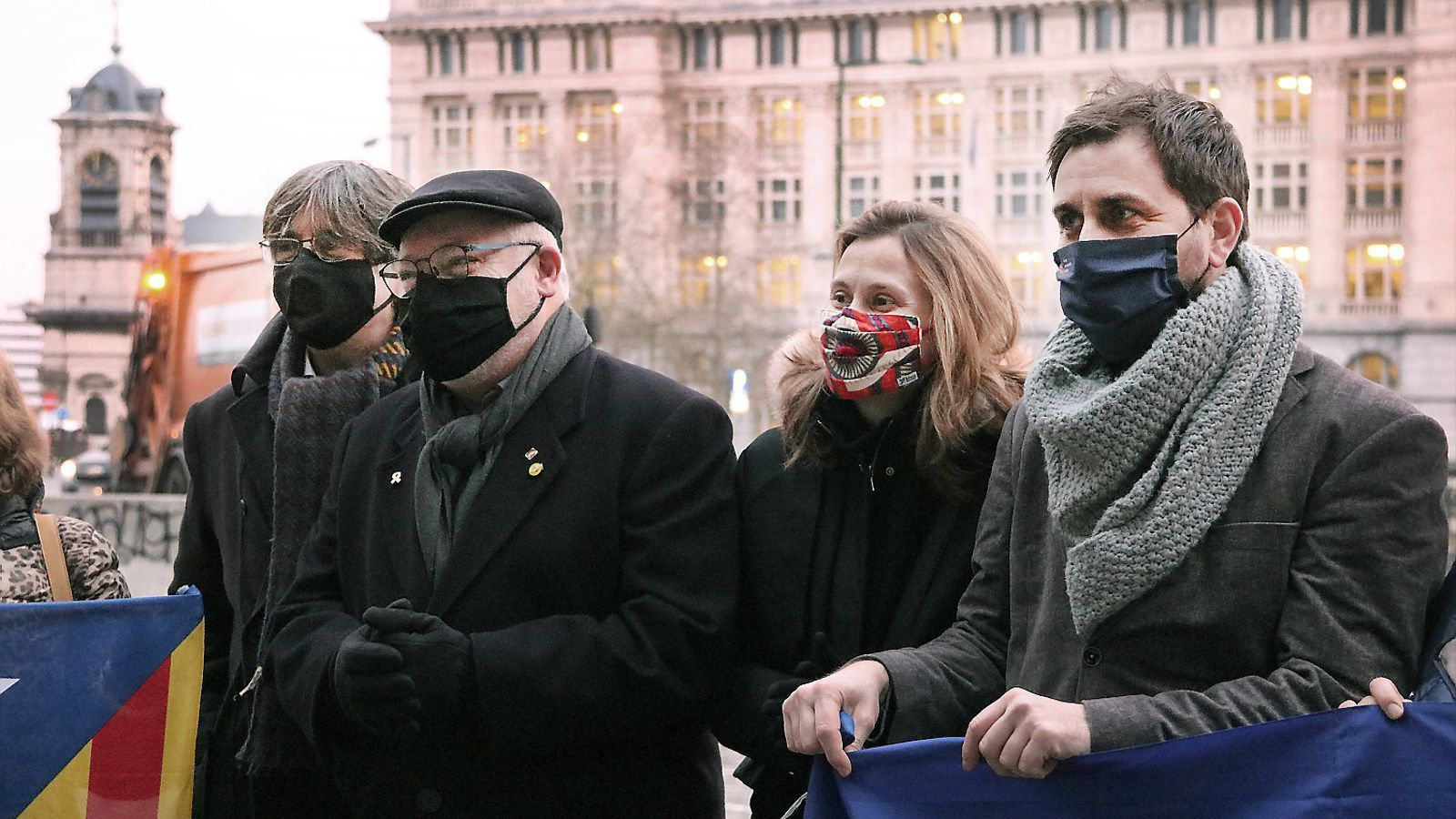 L'exconseller Lluís Puig amb Carles Puigdemont, Toni Comín i Meritxell Serret.