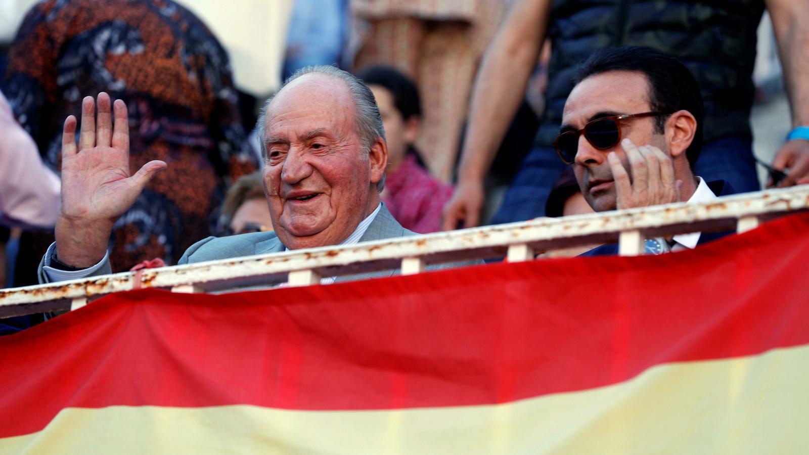 Joan Carles I , juntament amb el torero valencià Enrique Ponce, la setmana passada a Las Ventas