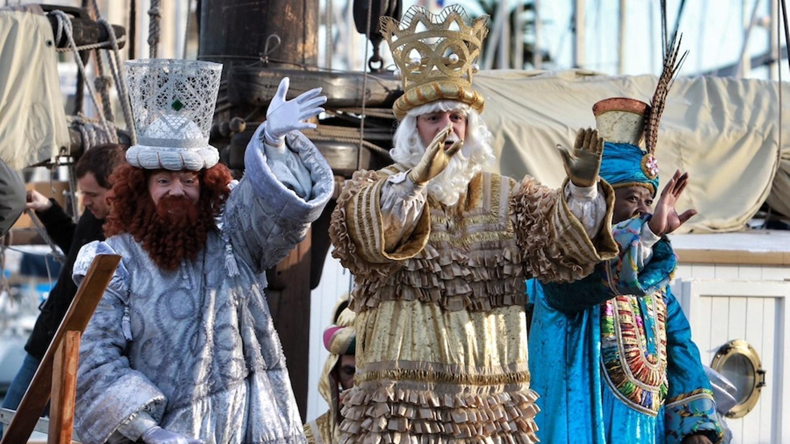 Els reis d'Orient, a la seva arribada a Barcelona / PERE VIRGILI