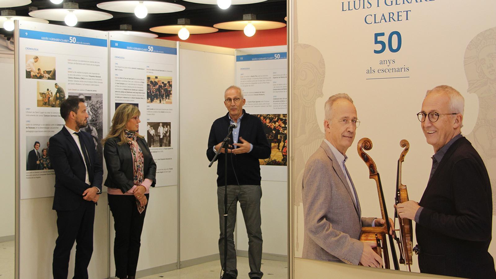Gerard Claret durant el seu parlament en la inauguració de la mostra. / M. F. (ANA)